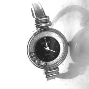 Gucci watch with rhinestones